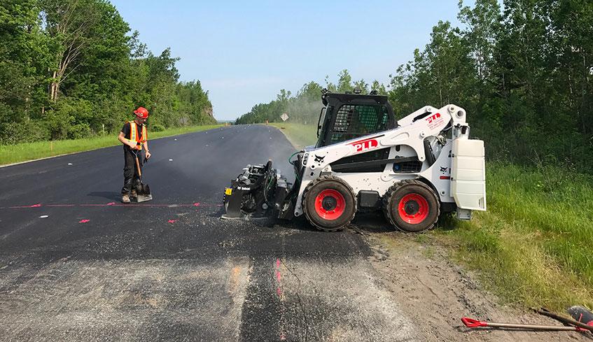 Planage d'asphalte joint d'autoroute