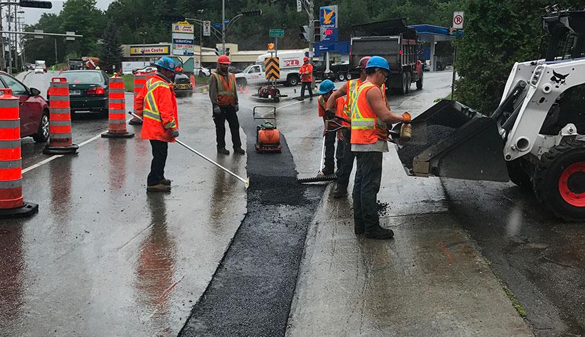Réparation de pavage d'asphalte tranchée